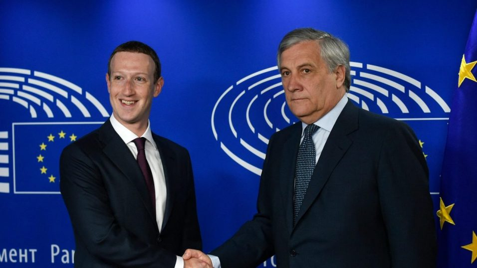Марк Цукерберг выступил перед Европарламентом. Большинство вопросов остались без ответа